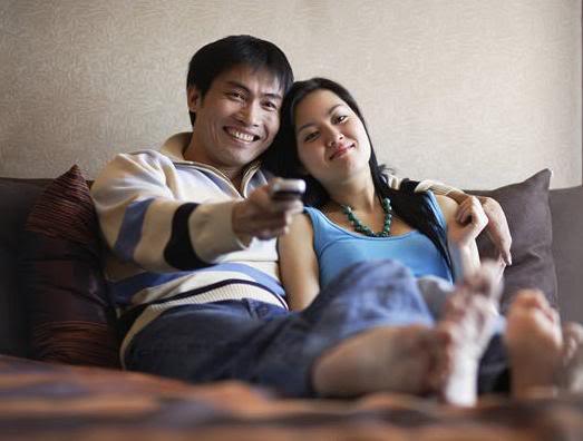 Hasil gambar untuk suami perhatian istri